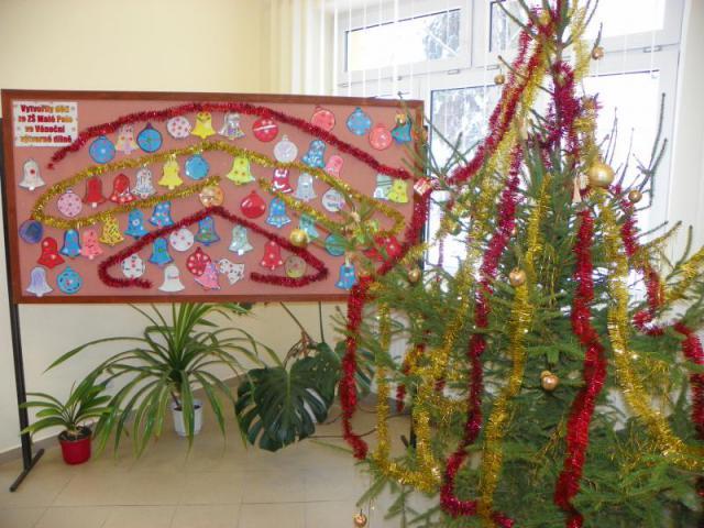 Vánoce 2012 v knihovně 002, obrázek se otevře v novém okně